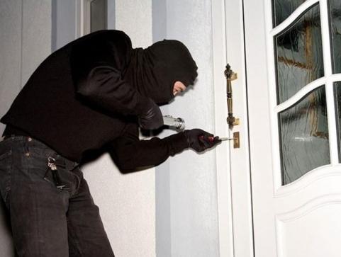 Dolijao provalnik u pulske stanove-121462