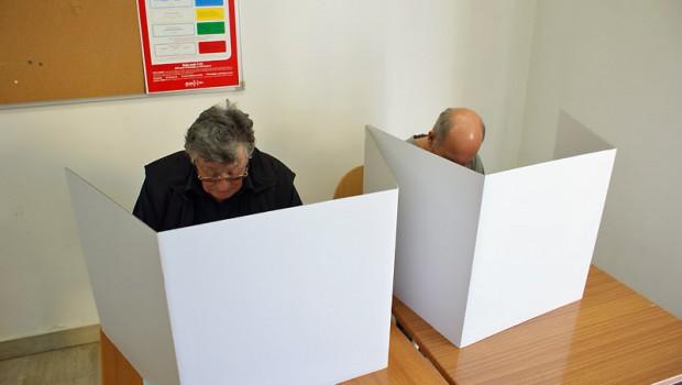 Osobe zaražene koronavirusom neće moći glasovati-107823
