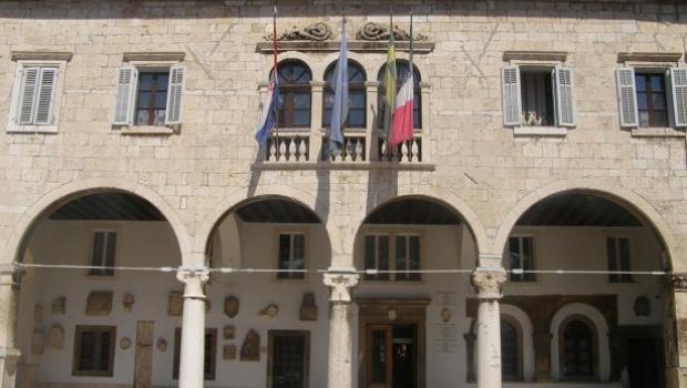 Grad Pula objavio natječaj za gradske stipendije-101611