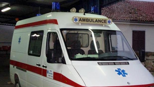 Buzet: izletilo osobno vozilo s ceste i prevrnulo se na krov-70281