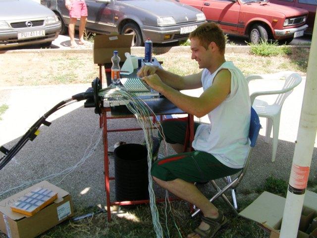 Postavljanje optičkih kablova