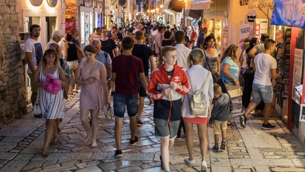 Online o turizmu: Slika puno bolja, o ljetnom prometu ovisi nastavak mjera-107107